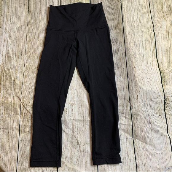LULULEMON Sz 4 Black Cropped Leggings